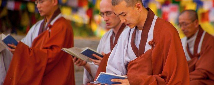 Recordar y estudiar el Dharma es común en el 'Día del Bohdi'