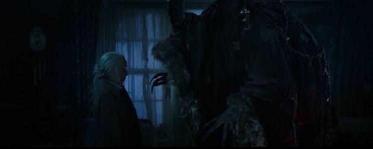 El personaje de 'Krampus' asustando a un personaje | Foto: Youtube