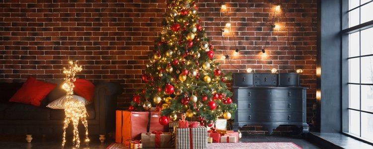 Utiliza los colores relacionados con la Navidad para decorar tu casa