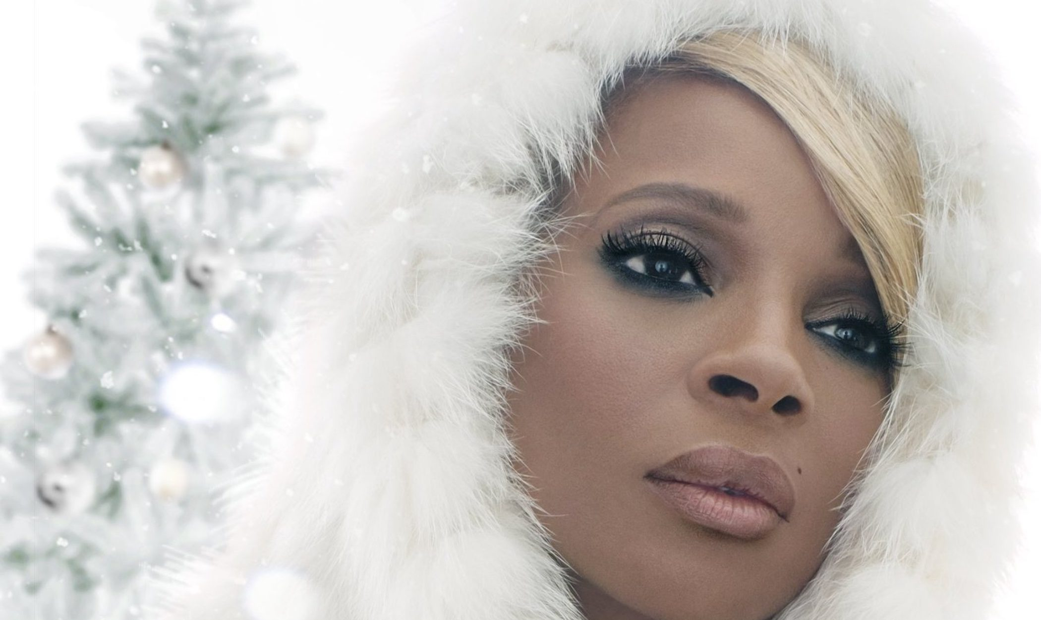 Barbra Streisand, Marc Anthony y Jessie J. acompañan a Mary J. Blige en 'A Mary Christmas'