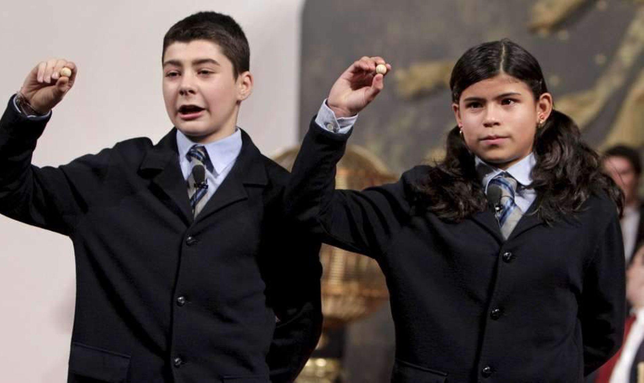 La suerte de la Lotería de Navidad 2011 se la encomendamos a la Duquesa de Alba, Simoncelli o ETA
