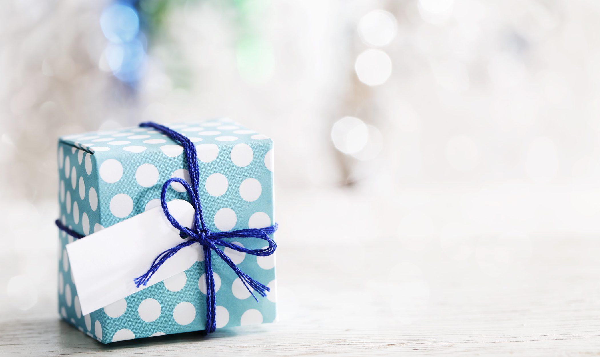 Ideas para hacer originales etiquetas con las que adornar tus regalos