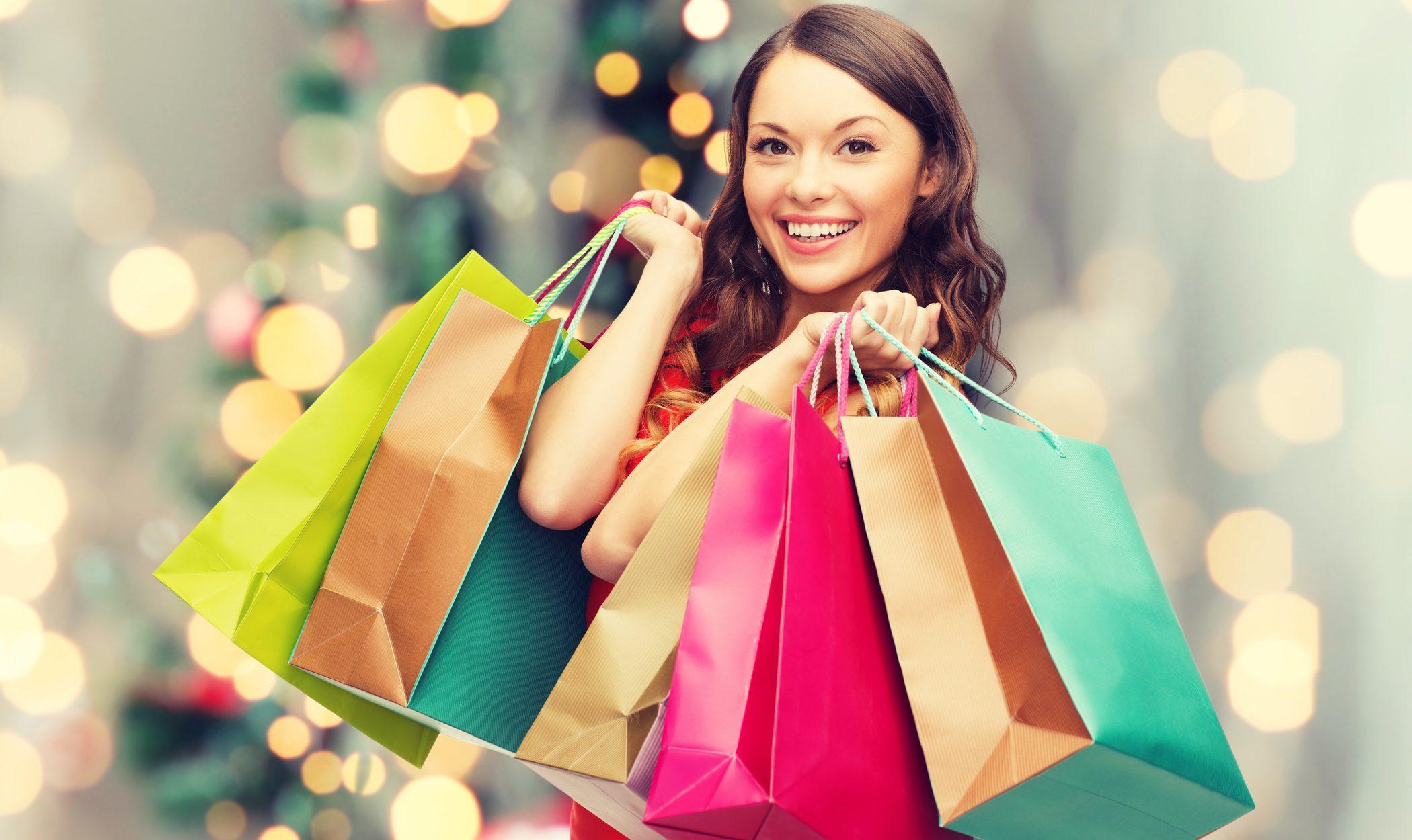 Aprovechar las rebajas de verano para comprar el look de Navidad ¿acierto o error?