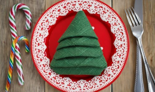 Cómo doblar las servilletas para la mesa de Navidad