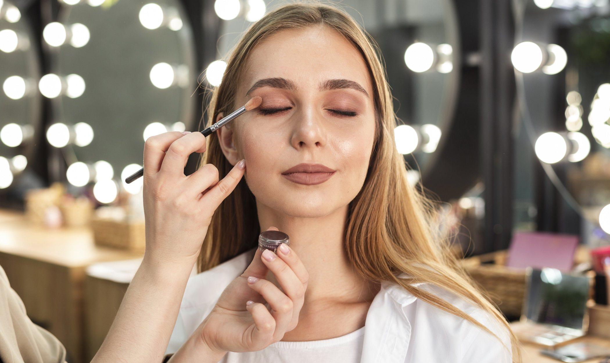 Cómo maquillarte en Nochevieja 2019
