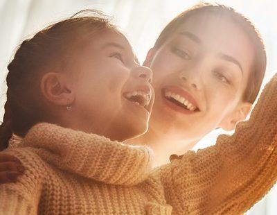 Decorar la casa junto a tus hijos en Navidad: disfrutar del momento en familia