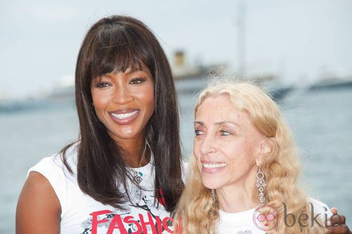 Peinados para Navidad: la melena lisa de Naomi Campbell