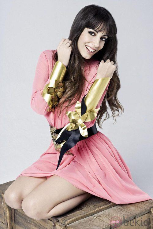 Almudena Cid felicita la Navidad 2012 con Maybelline NY