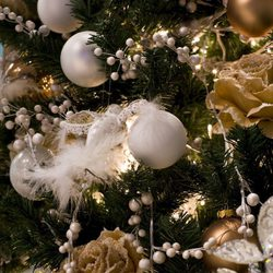 Árbol de Navidad: plata y dorado, otra combinación acertada