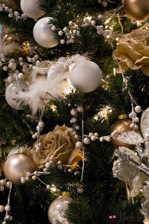 árbol De Navidad Plata Y Dorado Otra Combinación Acertada