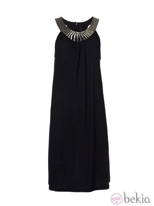 Vestido negro de la colección Navidad 2013 de Benetton