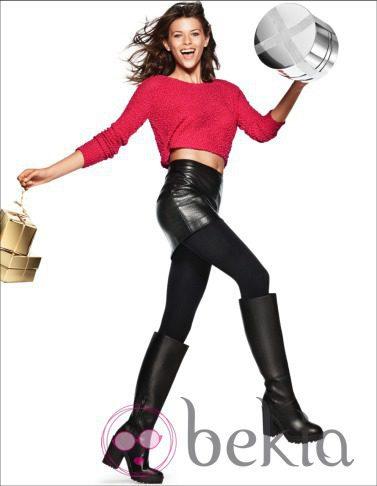 Falda de cuero negra de la nueva campaña navideña 2014 de H&M