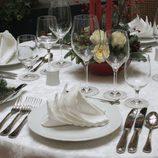 Decoración en blanco para la mesa de Navidad