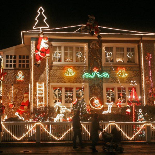 Ideas parar decorar el exterior de la casa en Navidad