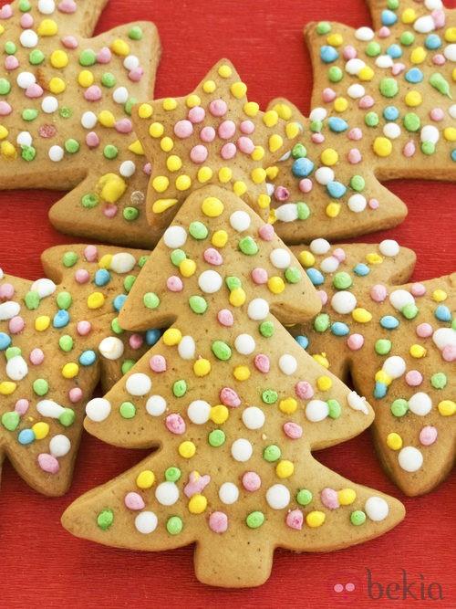 Galletas de mantequilla convertidas en árboles de Navidad
