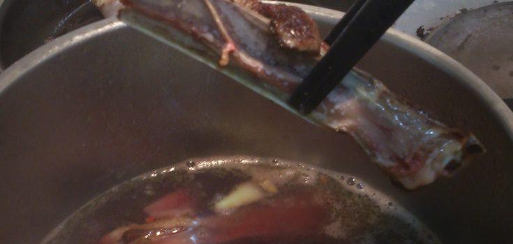 Añade las cotillas al estofado