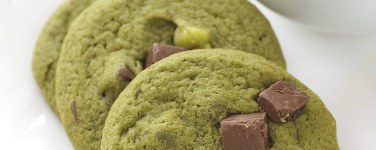 Galletas de té verde con un toque de chocolate