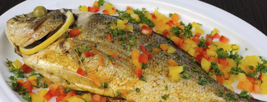 Pescados de Navidad: Dorada al horno con guarnición