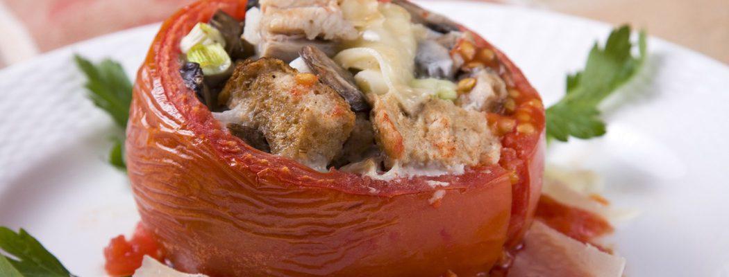 Entrantes de Navidad: Tomates rellenos de carne picada con champiñones