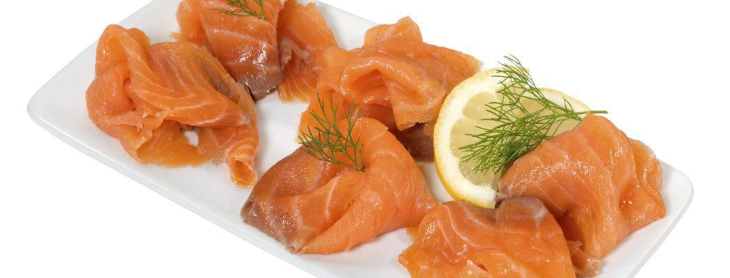 Entrantes de Navidad: Ensalada de salmón ahumado