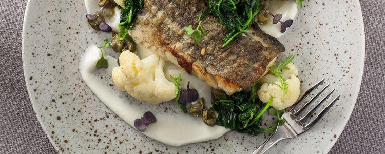 El bacalao con coliflor es típico de Galicia
